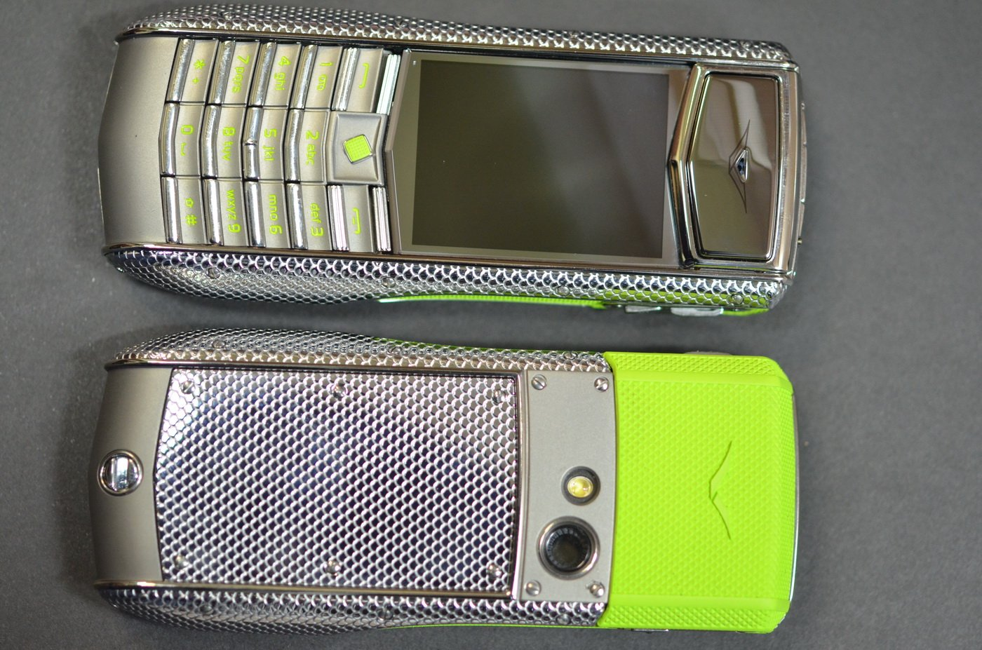 Корпус Vertu Ascent Ti neon lime